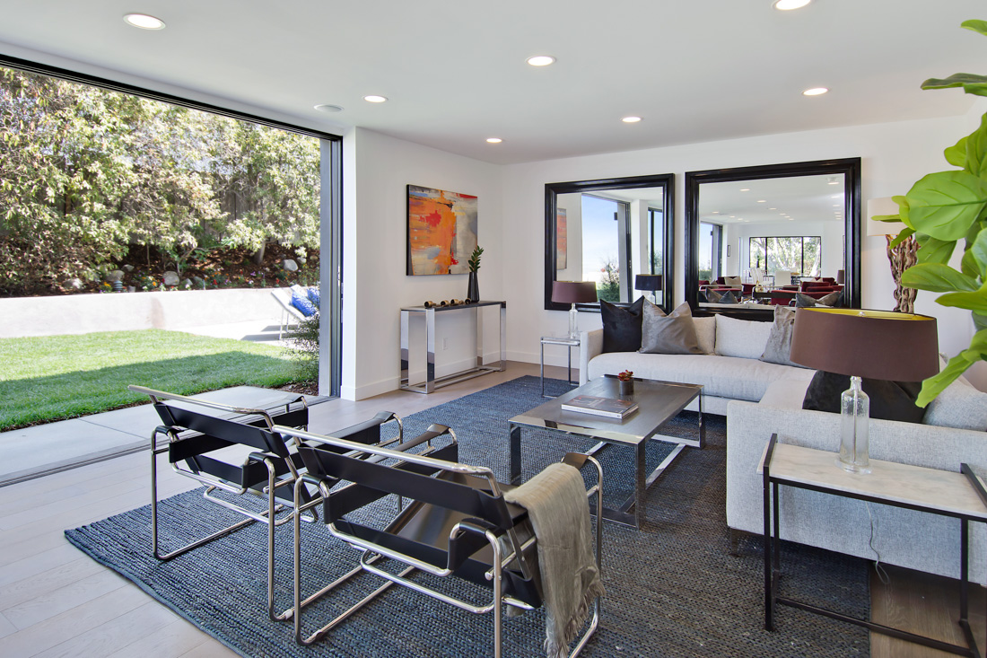 Encino modern meridith baer home for Hathaway furniture new york