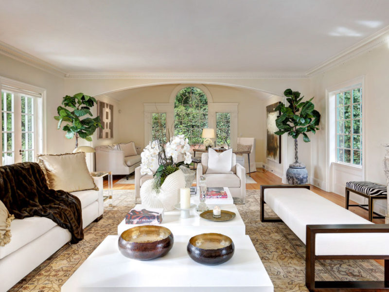 Holmby Hills Colonial