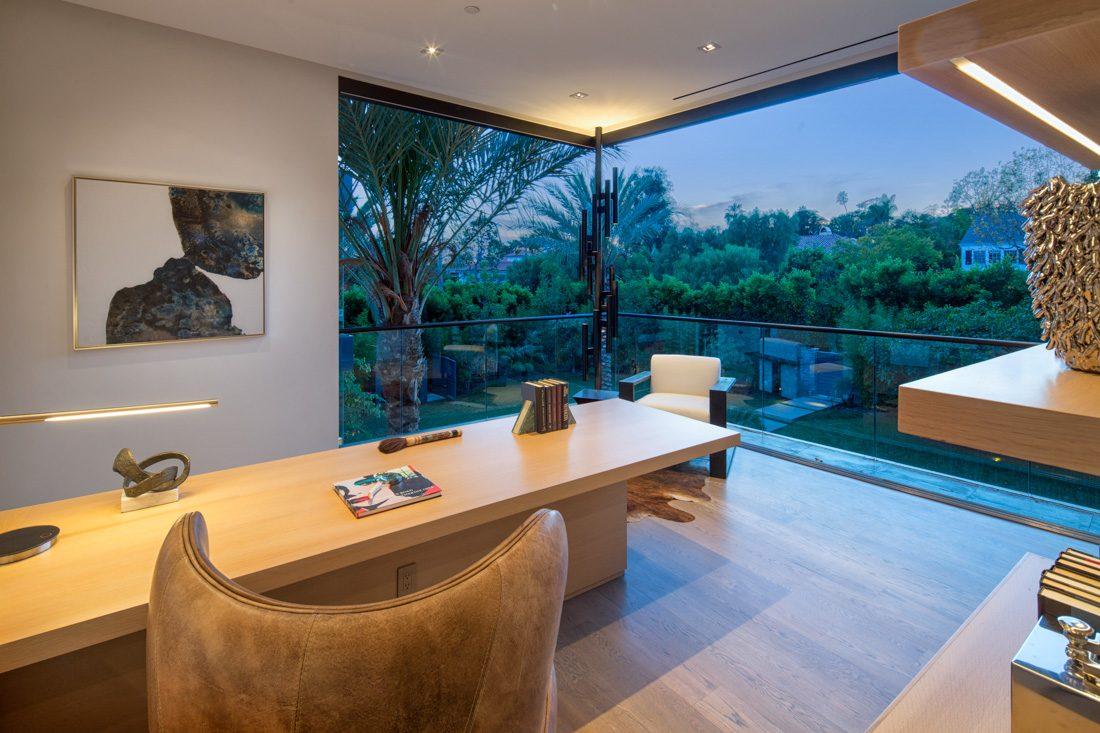 Brentwood Park Modern
