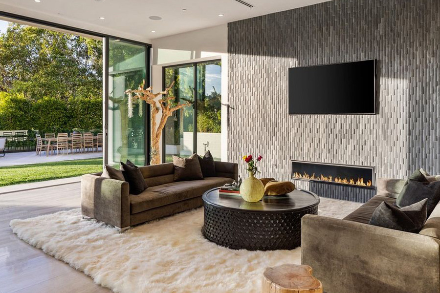 Brooklyn Beckham and Nicola Peltz Bought a Meridith Baer Home for $1M Over Asking